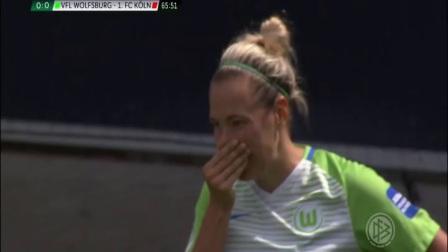 狼堡女足冠军队员泪洒赛场