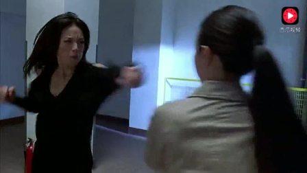 高跟女杀手与女警的激烈决斗, 美女的决斗真够狠辣