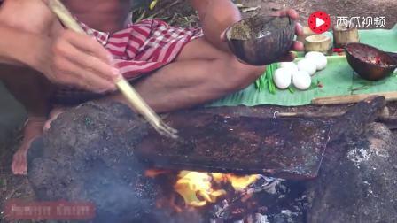 石板荷包蛋, 难得见越南大叔用次筷子, 一次吃四个真是任性