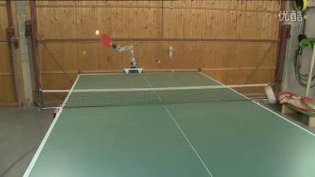 我在真正可以和人类对打的乒乓球机器人,德国人真牛叉!截了一段小视频