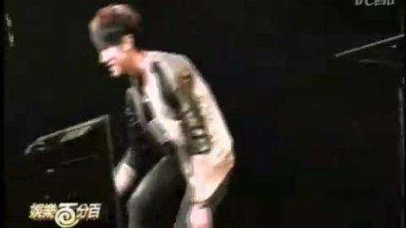 2010-01-21 娛百_小豬、吳尊日本宣傳《籃球火》迷倒三千名櫻花妹