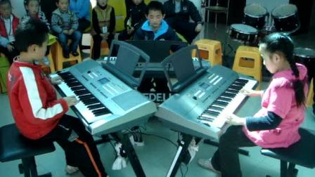 吕山子、张哲、张颖 电子琴合奏《蓝猫淘气三千问》