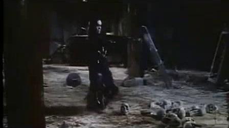 我在港台绝版僵尸鬼片《幽幻道士之1僵尸小子》国语截了一段小视频