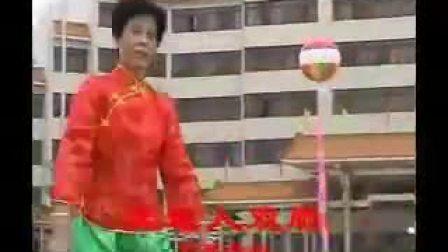 深圳龙岗区林英健身舞(天地人双扇)