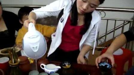 20100328网友们在明朝木马家喝茶,娜娜在泡茶