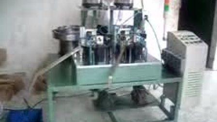 弹片螺母装配机 东莞市智科精密机械有限公司 机械手机械臂 自动化设备  机器人装配机 非标自动化设备