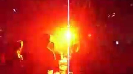 合肥SEVEN PUB强势登场300W光束灯