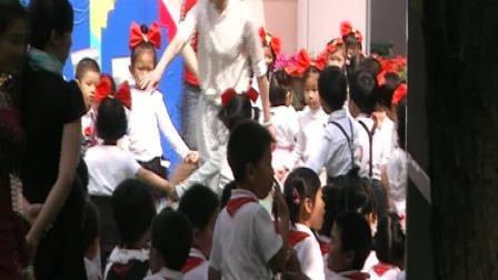 华师大附幼2010六一节节目:三只小熊(小小三,四班)