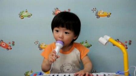 leo玩电子琴