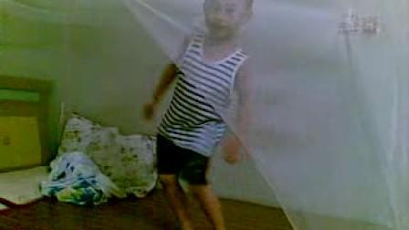 妈妈我流汗了(有那位高人愿意教教4岁小孩的舞蹈啊!)