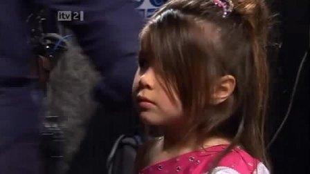 四岁MM表演的哥伦比亚SALSA,超CUTE!!