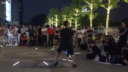 天津吉特巴大师肚脐老师和盘锦朱红老师在旧宫万科表演吉特巴舞(跳舞网录制)