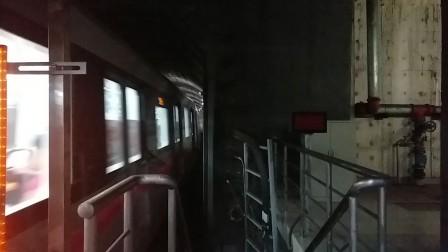 上海地铁13号线奶粉淮海中路进站