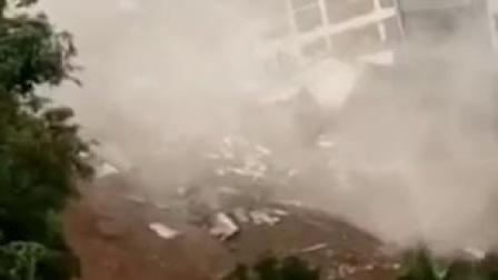 大雨来了百色发大水房子多栋倒塌