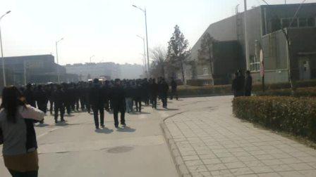 2012年  太原富士康员工因加薪不等  集体罢工