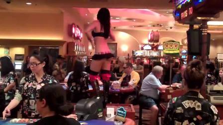 酒吧桌子上的性感舞蹈 HD高清