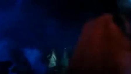 我在《驱魔道长》林正英僵尸鬼片大全国语版鬼片电影大全最恐怖片截了一段小视频