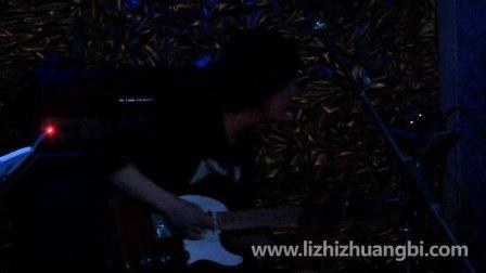 2012李志巡演长沙站专属歌曲《倾城之雨》。