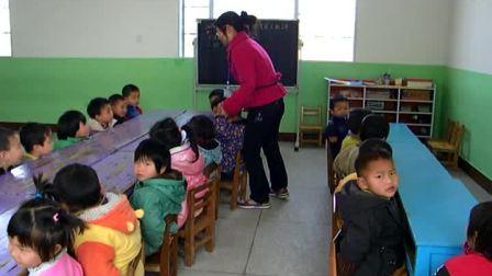 琪琪幼儿园中班上课