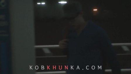 _kobKHUNka_120329_Nichkhun_at_Incheon_Airport