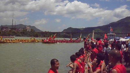 2012年湖南溆浦县大江口龙舟比赛
