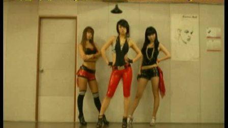韩国美女组合Black Queen激情热舞