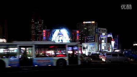 《美国队长2》上海巨型宣传亮相 路人震撼