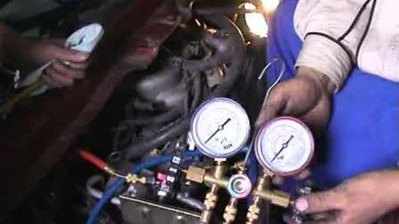 通用五菱汽车维修3-卸下发动机变速器