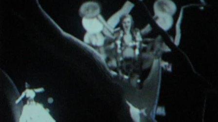 迪奥 Miss Dior 展览 25: 视频装置《西红柿和恰恰都别碰我》21