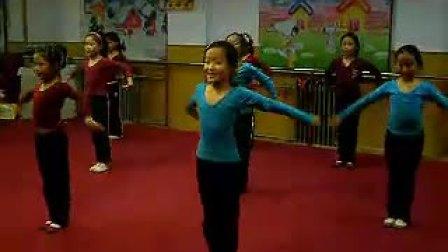 彝族舞蹈   《小鱼戏水》_标清