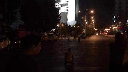 武汉江天大厦爆破现场