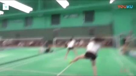 我在从第一个跳杀就能看出, 这两位女双球友, 一般人还真打不过她们!截了一段小视频