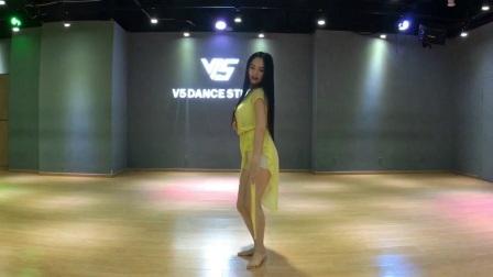 刘唱东方舞,🌹🌹🌹2018最新popsong ,👋👋👋我的梦aida 编舞美醉了。