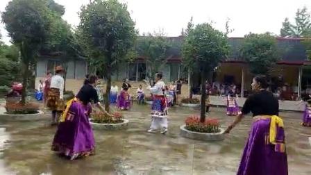 雪域风情舞蹈队1学跳(父母情)