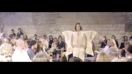 宝仕奥莎Preciosa丨布拉格的这场时装秀玩出年轻人的前卫