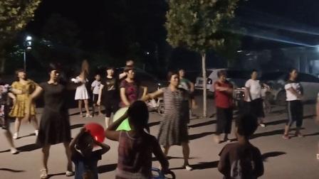 video唐县南伏城健身广场舞
