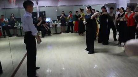 (珍藏版)王涛老师&郑晓云老师三维空间教学及运用摩登舞基本步教学视频