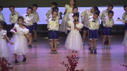 青岛为明学校小学部经典咏流传节目之《咏鹅》哈佛一年二班