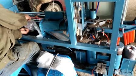 平菇装袋窝口插棒一体机
