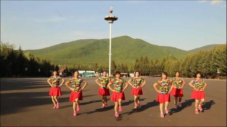 伊春市友好区白云广场舞——单人水兵舞《拉萨夜雨》