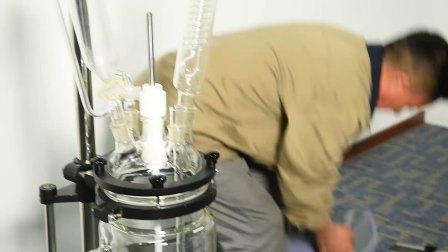 小容量双层玻璃反应釜安装视频