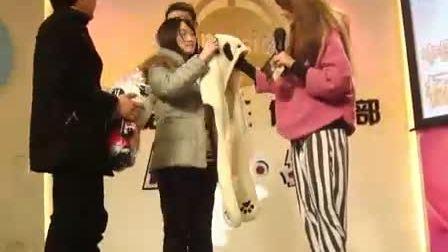 【杨丞琳】琳吧成都分会送女人《熊猫》礼物 女人说会拍照放到部落格 Part 11