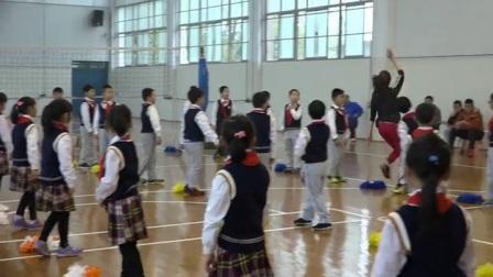《花球啦啦操组合动作》优质课(科学版一年级体育,侯芳)