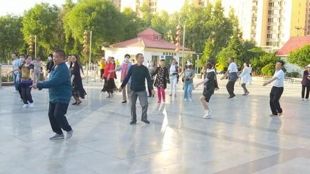 广场锅庄舞