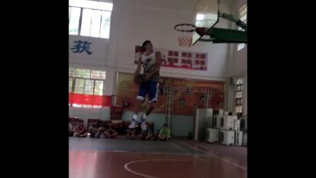 2018石厦篮球培训班之陈国豪扣篮表演