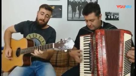 手风琴独奏、吉他伴奏:电影《桥》插曲《啊,朋友再见》。