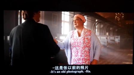 帕丁顿熊:布朗先生男扮女装,被查证件
