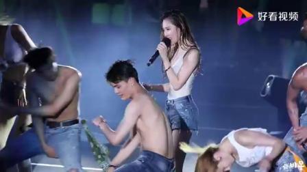 韩国女星李宣美sun mi演唱会湿身
