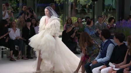Giambattista Valli Haute Couture F/W 2018 Fashion Show