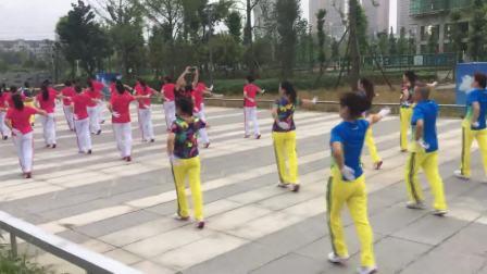 四川什邡梦之队演译第十三套快乐之舞健身操